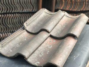 Gebruikte dakpannen en hulpstukken