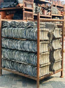 Dakpannen - Gebruikte dakpannen inruilen - Mundimat dakmaterialen - dakpannen en daktoebehoren - gebruikte en nieuwe dakpannen - gebruikte Handpannen blauw gesmoord